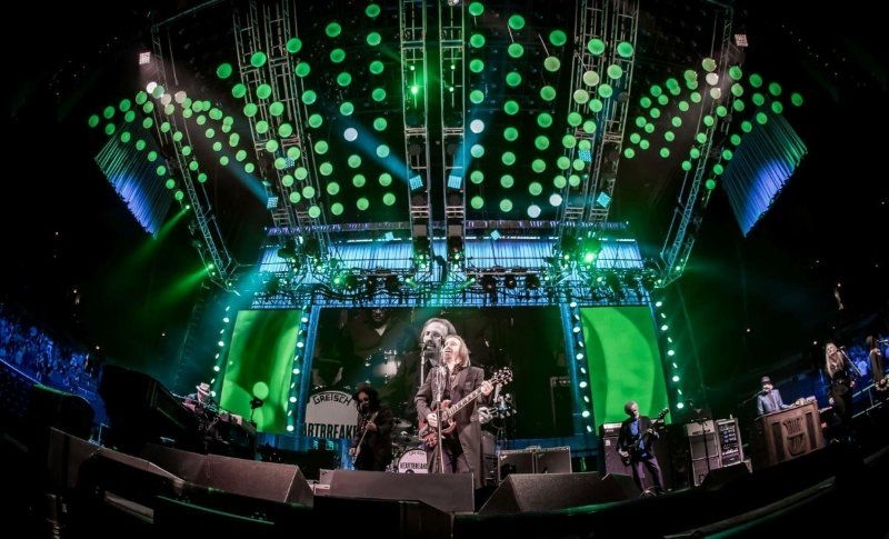 VER Provided the stage lights, LED, projection, screens and audio systems for the Final Tom Petty and the Heartbreakers tour.