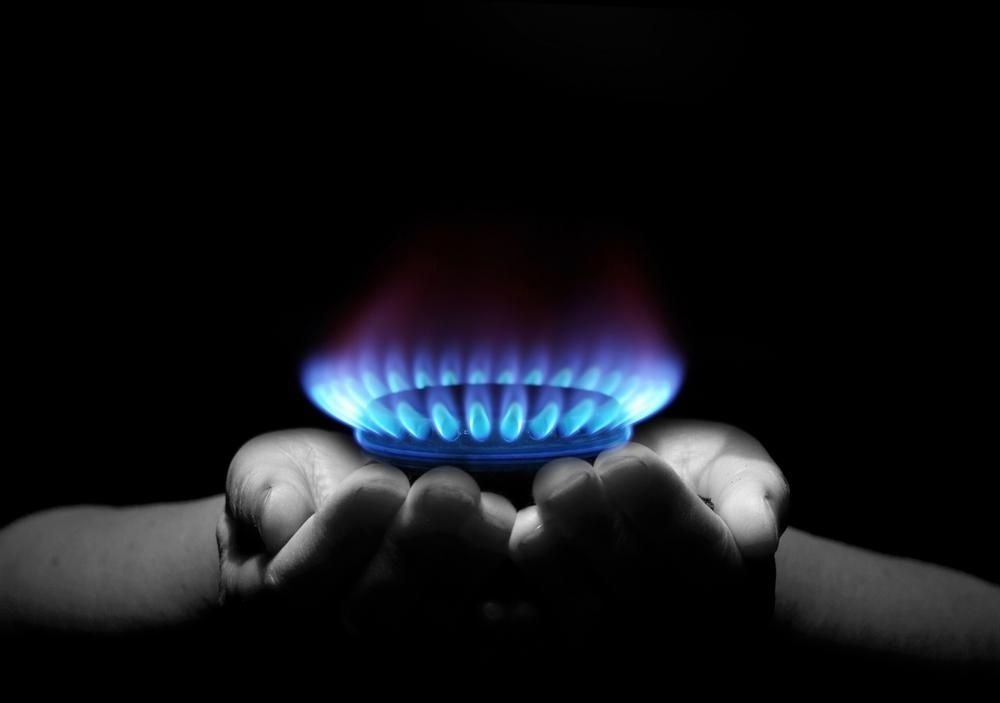 natural gas hands.jpg