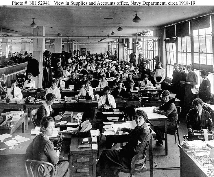 Navy Accounting Office 1918.jpg